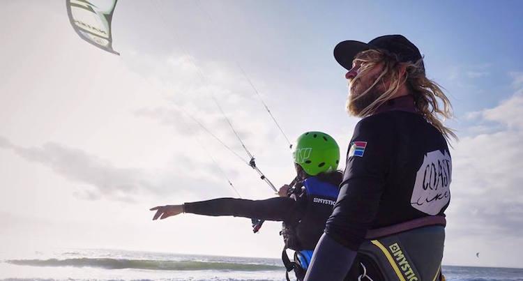 Kitesurfen in blouberg in Zuid Afrika