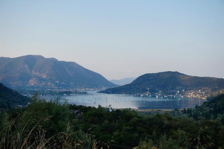 Lefkas eiland vakantie tips boot huren