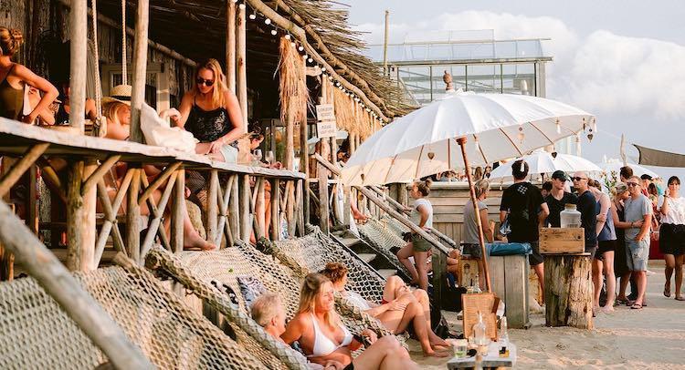 Leukste strandtenten nederland club zand
