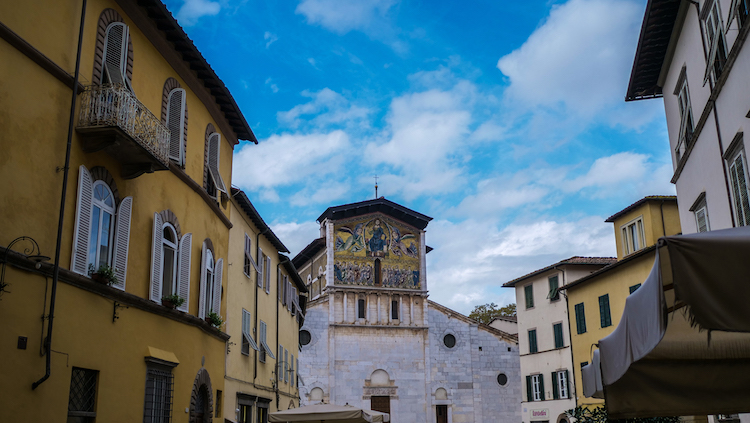 Lucca-1-7 detail kerk