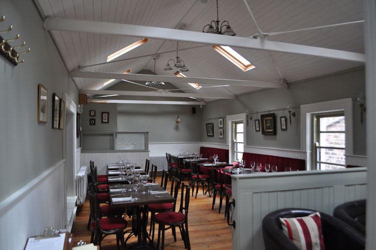 MOLLYSYARD restaurant in belfast