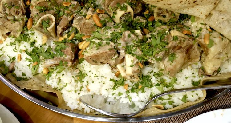 Mansaf Eten in jordanie vleesgerecht