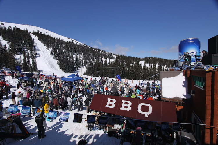 Marmot-Basin-Mid-Party wintersport Canadian Rockies