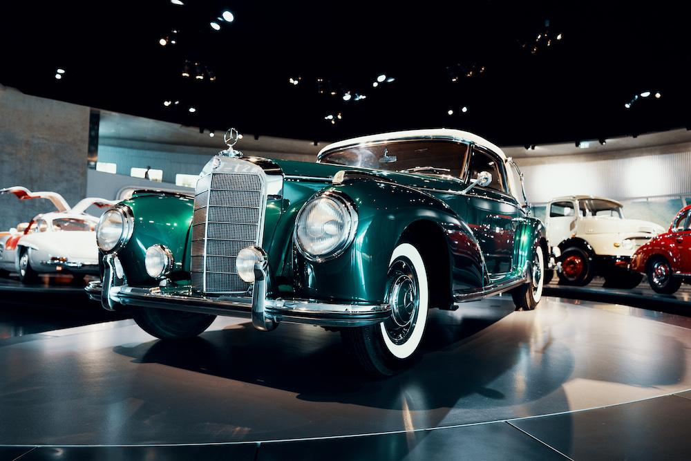 Mercedes Benz Museum oude auto