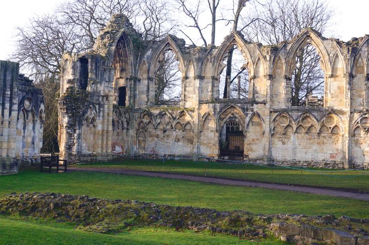 Minicruise York Museum gardens ruines