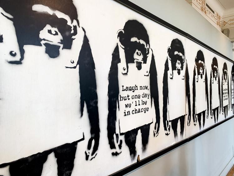 Moco Museum Banksy apen schilderij