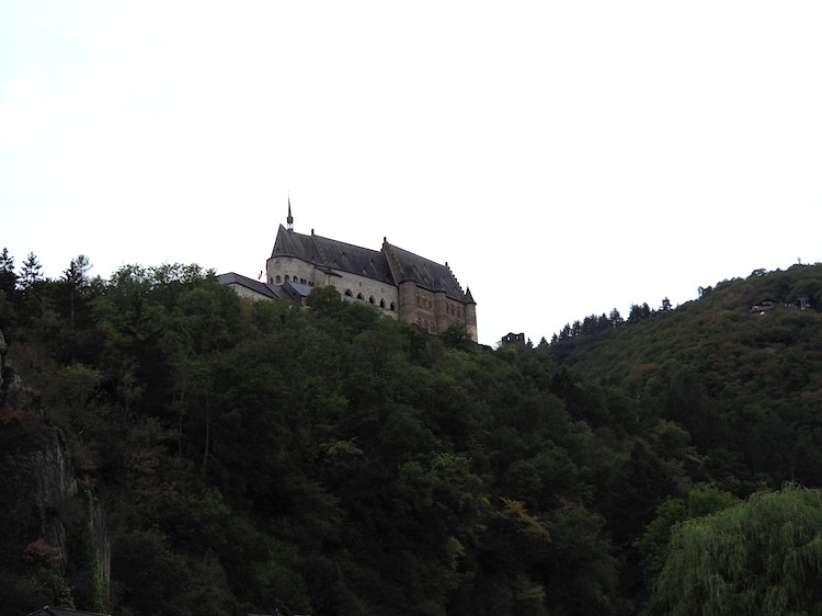 Mullerthal-Luxemburg-Vianden-kasteel