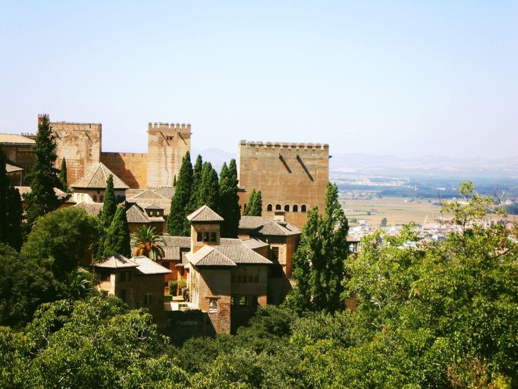 Muren van Alhambra in Granada
