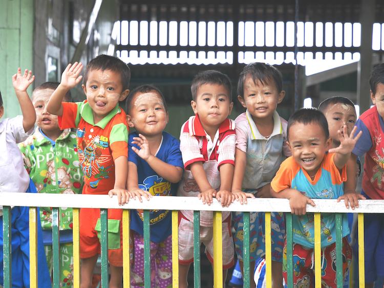 Myanmar kindjes backpacken