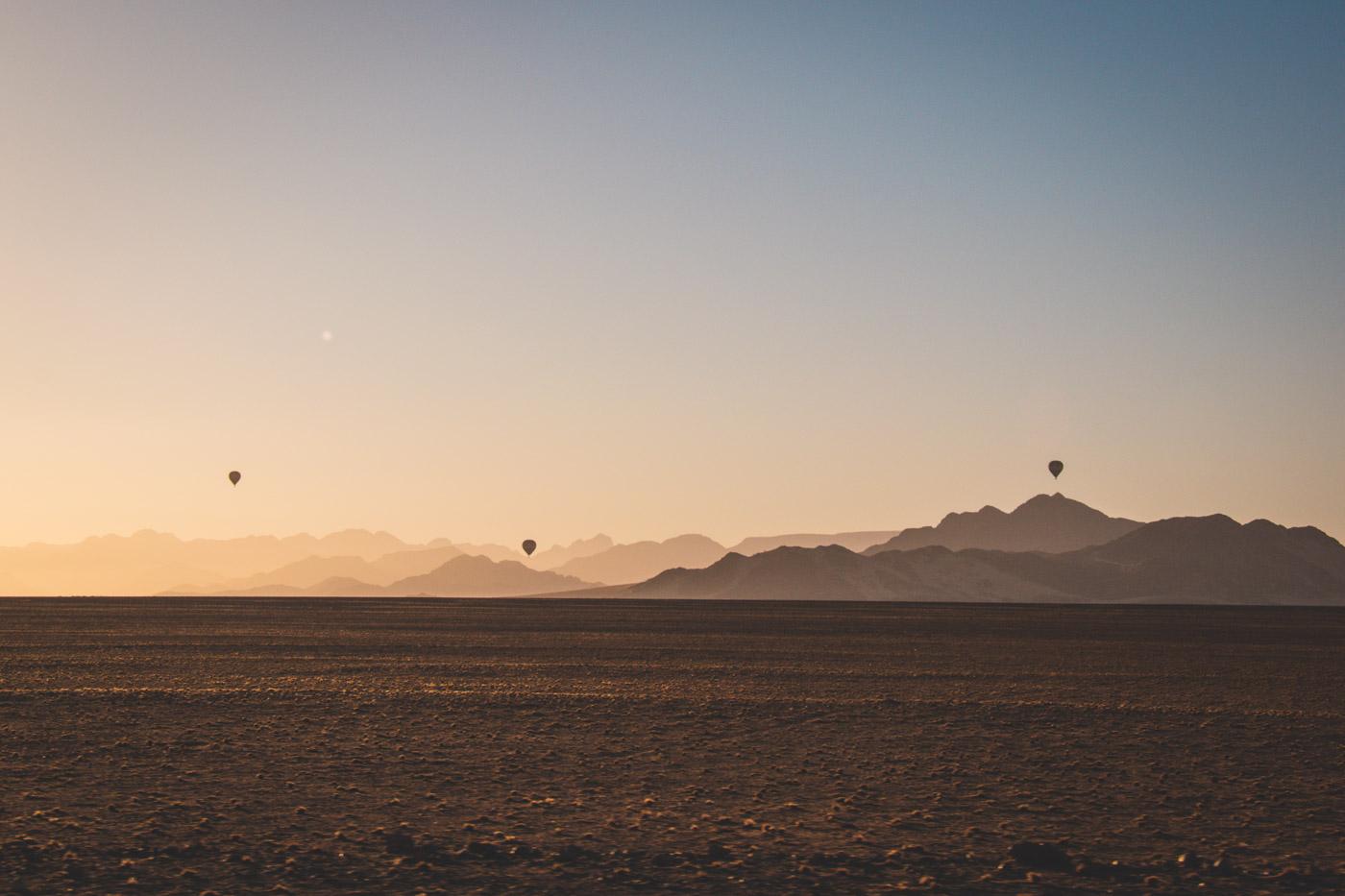 Namibie sossusvlei zonsopgang ballonvlucht