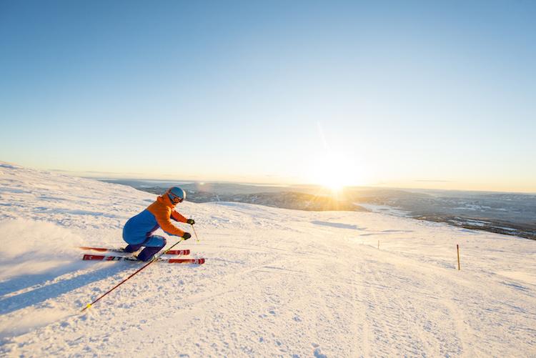 Norefjell noorwegen wintersport zonsondergang
