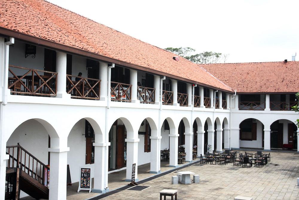 Old-Dutch-Hospital-galle
