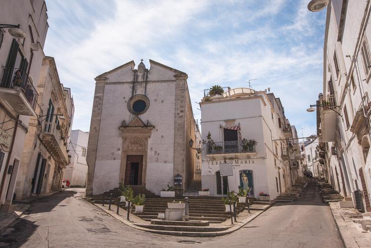 Ostuni historisch centrum puglia Via Roma