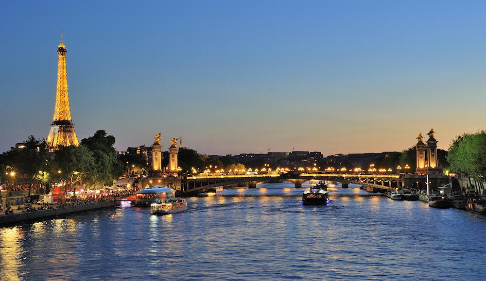 Parijs eiffeltoren avond