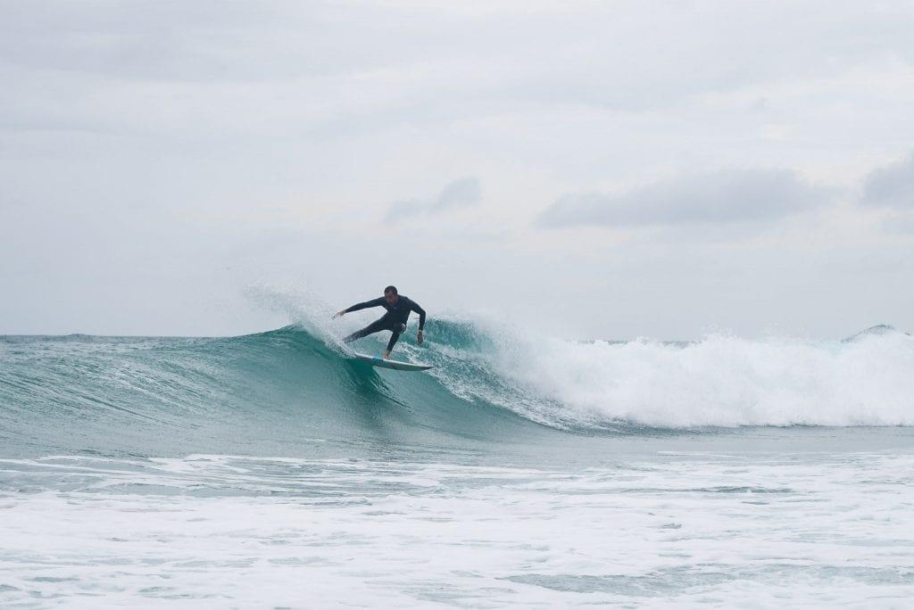 Peniche surfer golven portugal 27