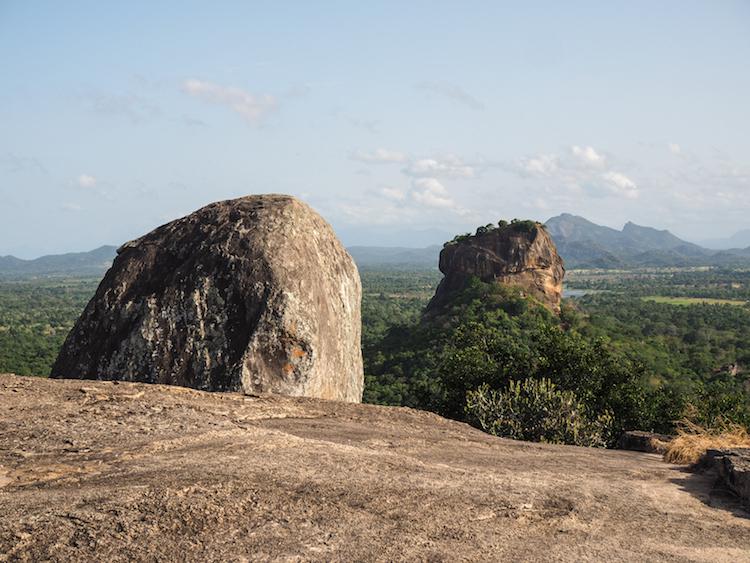 Pidurangala-en-sigiriya-sri-lanka