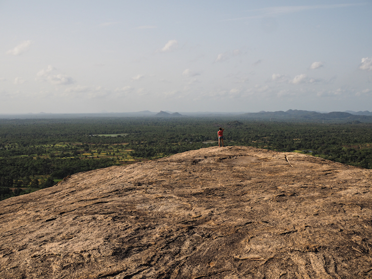 Pidurangala sri lanka op de top