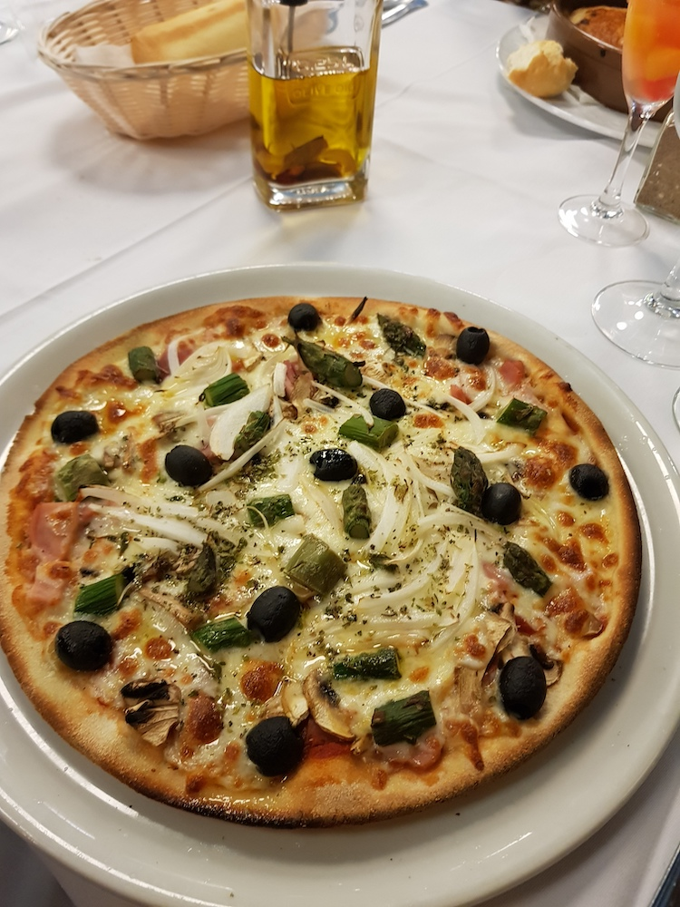 Pizza eten in Palamos spanje