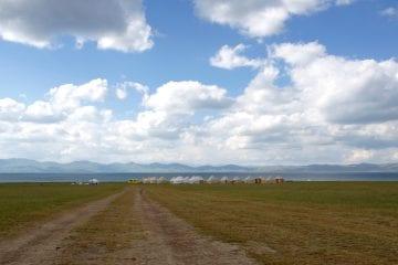 Reizen door Kirgizië Song Kul yurts