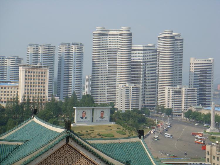 Reizen naar Noord-Korea gebouwen