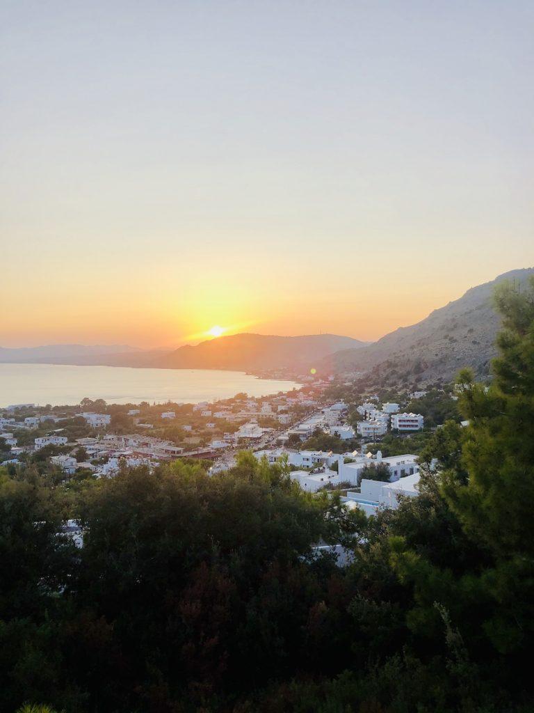 Rhodos tips Pefkos Blue zonsondergang