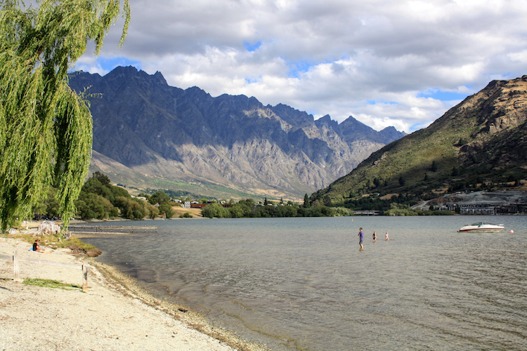 Rondreis Zuidereiland Nieuw-Zeeland Uitzicht vanaf camping
