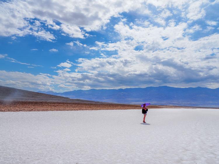 Route door Death Valley Badwater Basin