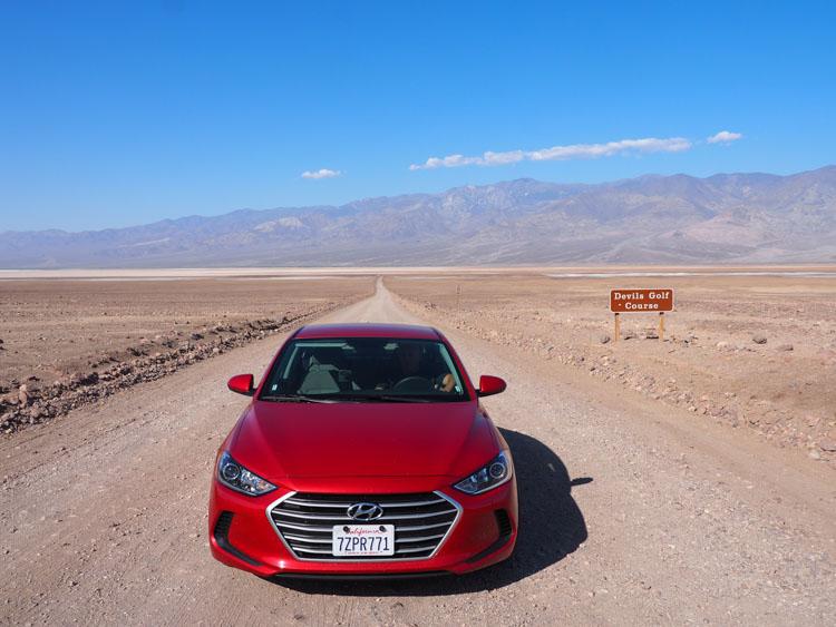 Route door Death Valley devils golf course