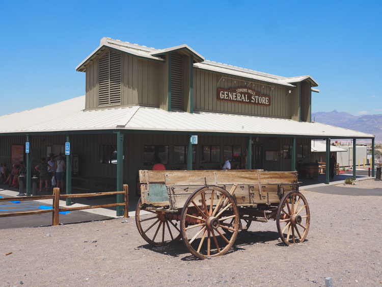 Route door Death valley tips Stove Pipe Wells general store tips