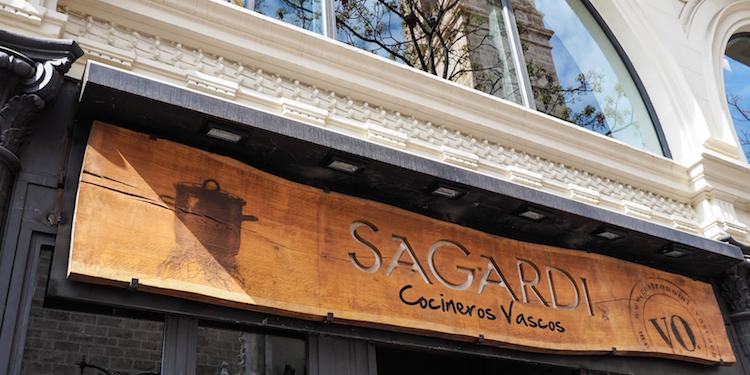 Sagardi Wat te doen in Valencia Pinchos
