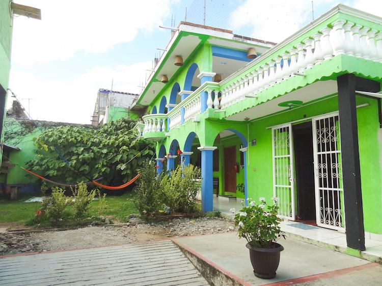 San Cristobal de las Casas hostel iguana voorkant