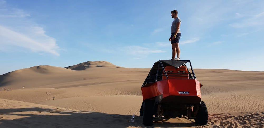 Sandboarden Huacachina Peru buggy tour