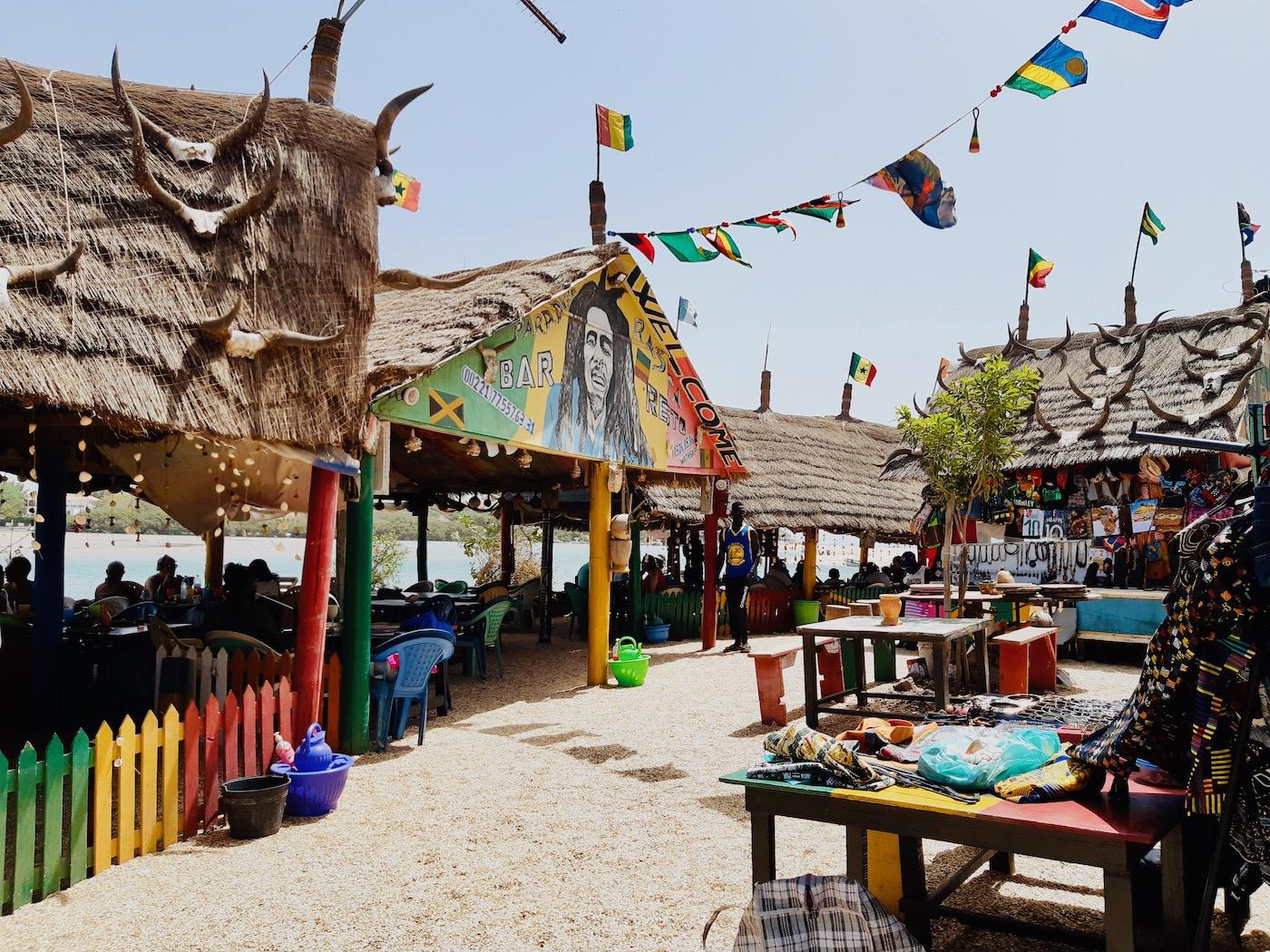 Senegal vakantie Lagune somone rasta bar