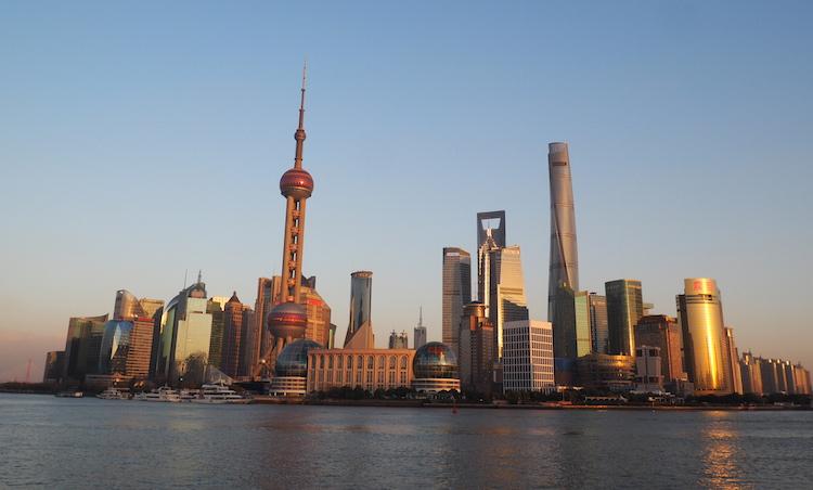 Shanghai skyline zonsondergang