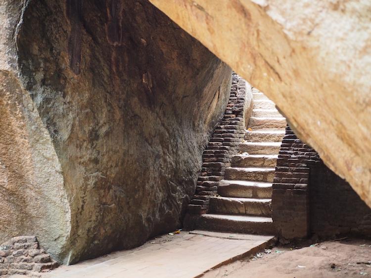 trappen sigiriya rock sri lanka