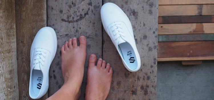 Sneakers wit sacha