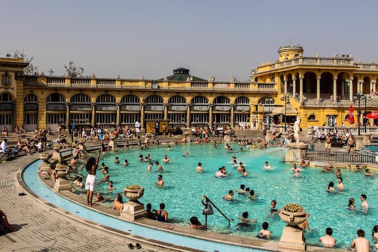 Spa boedapest stedentrip zomer