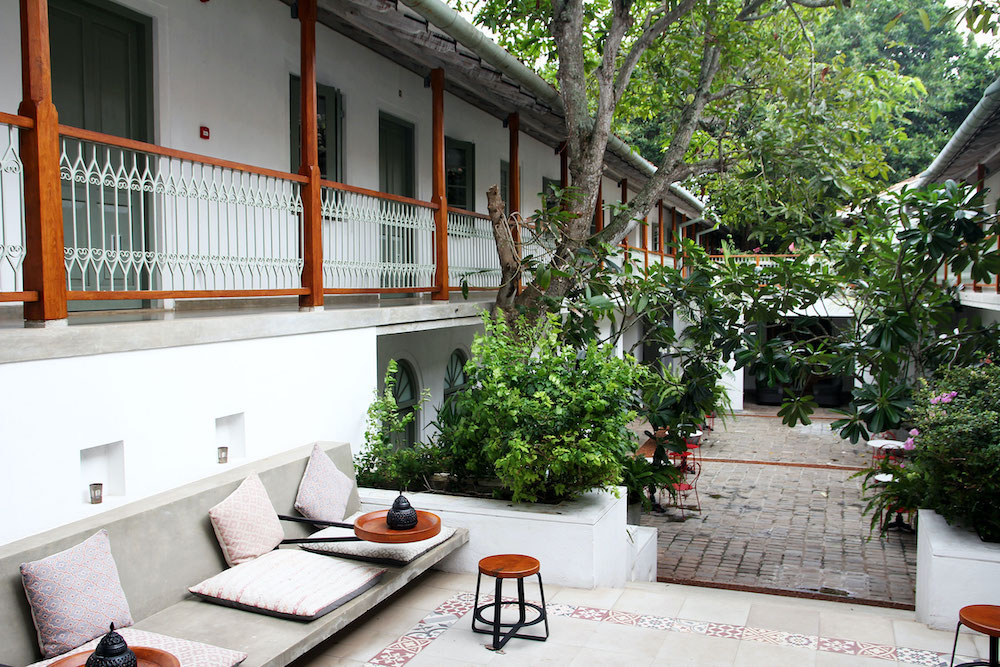Sri Lanka galle fort bazaar hotel