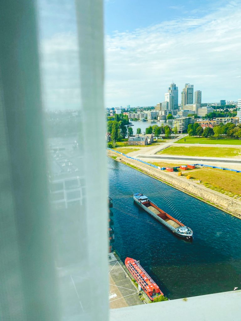 Staycation amsterdam mercure city hotel uitzicht