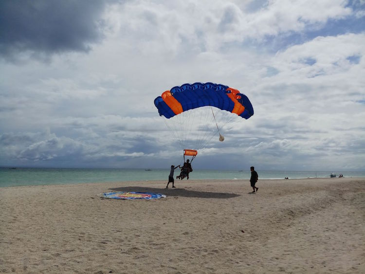 Strandlanding skydive cebu filipijnen
