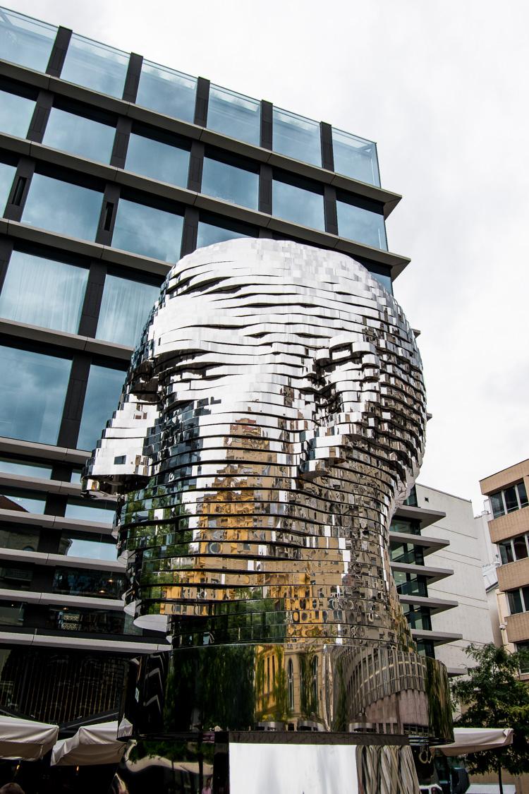 Streetart Praag Kafka head
