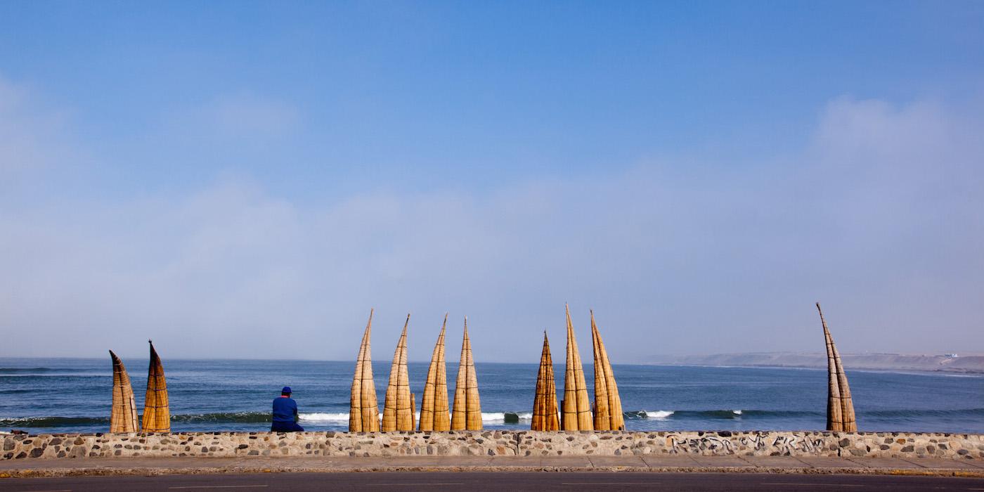 surfen-in-peru-balneario-de-huanchaco
