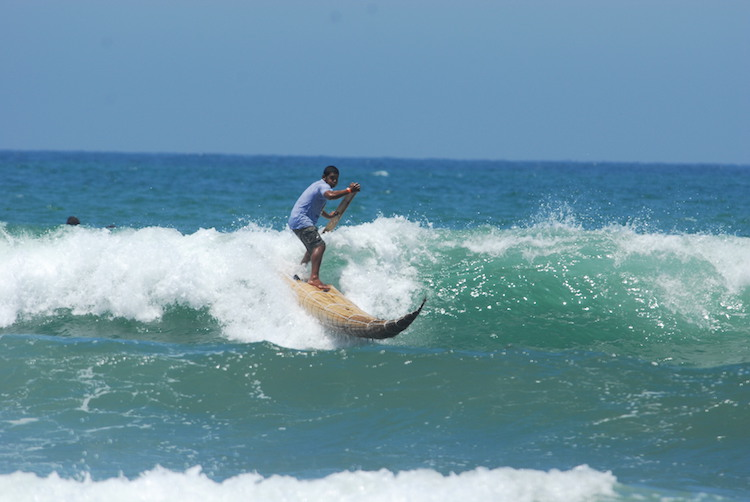surfen-in-peru-caballito-de-totora