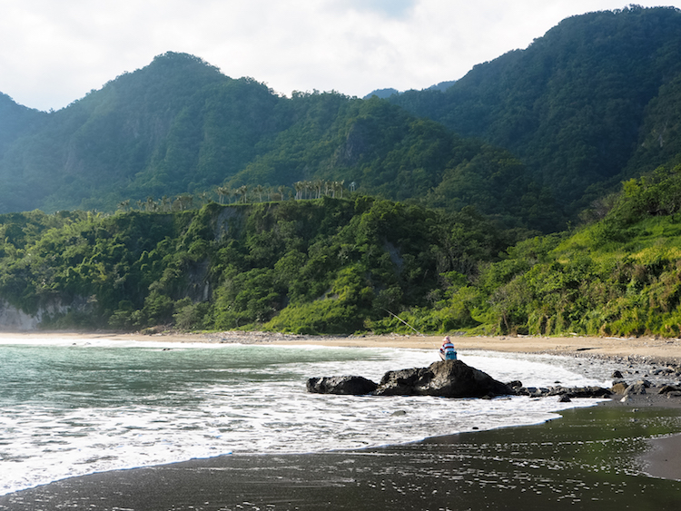 Surfen in Taiwan bij Donghe Lovers Beach