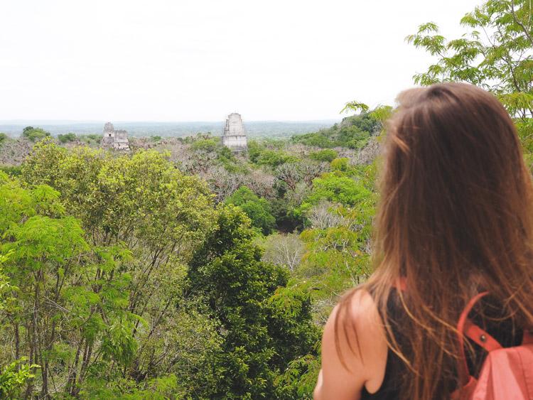 Tikal Guatemala jungle uitzicht tempel IV