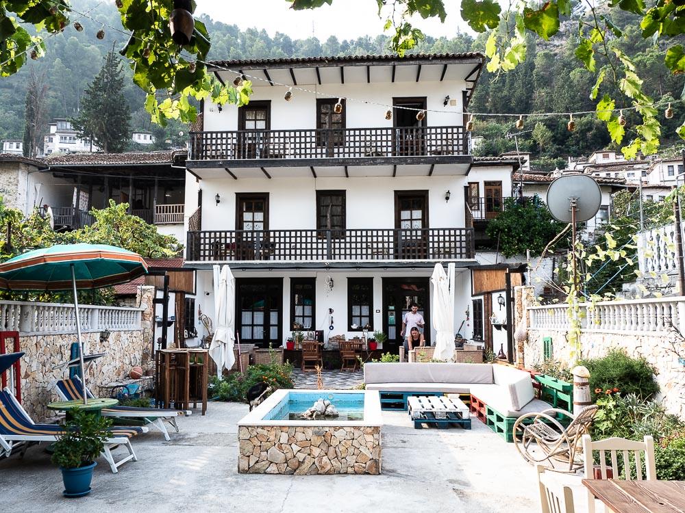 Tips Roadtrip Albanie Backpackers Hotel