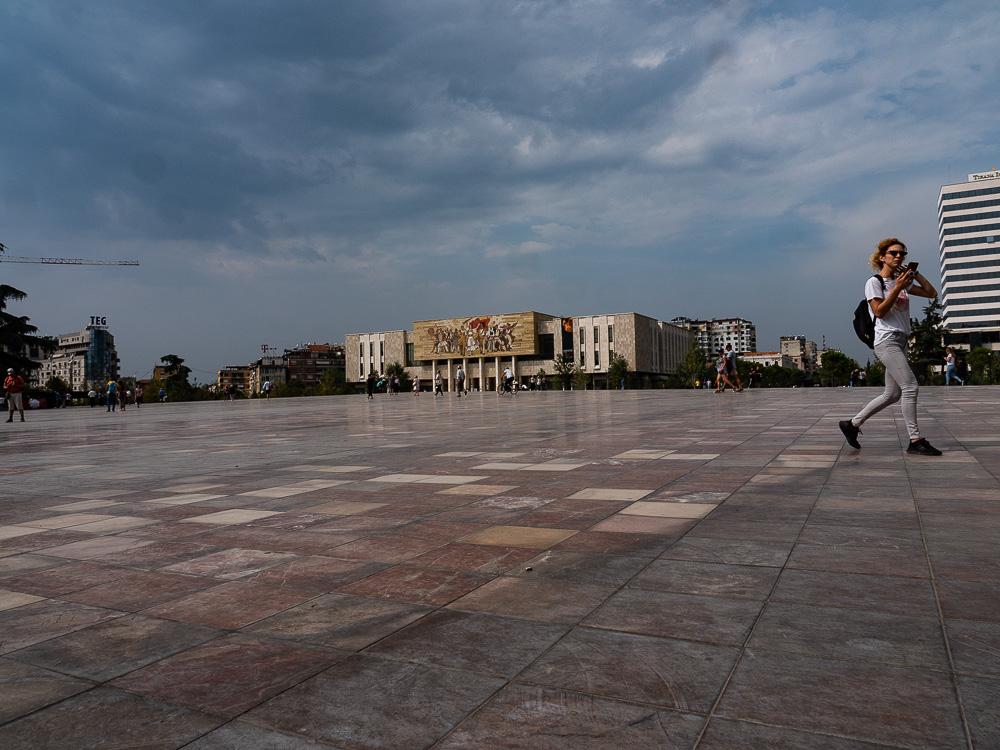 Tips Roadtrip Albanie Skanderberg plein in Tirana