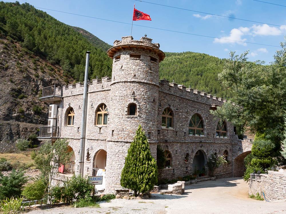 Tips Roadtrip Albanie wegresteurant