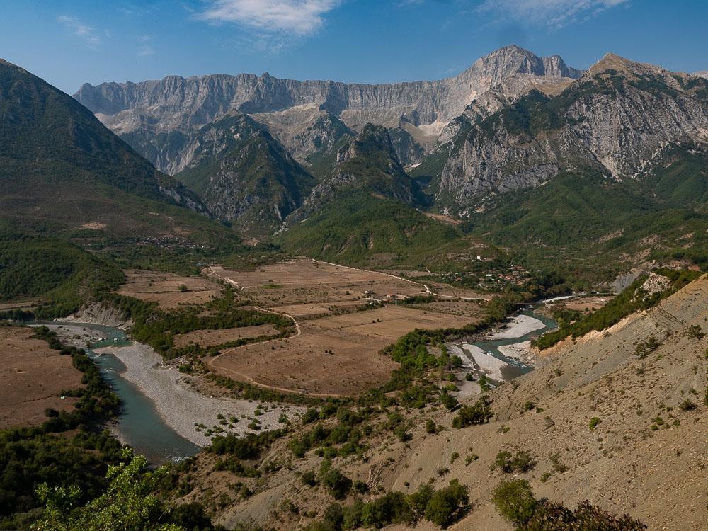 Tips Roadtrip door Albanie Permet langs de Aoös