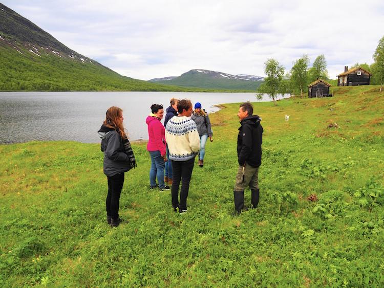 Uitleg over sami cultuur bij geunja